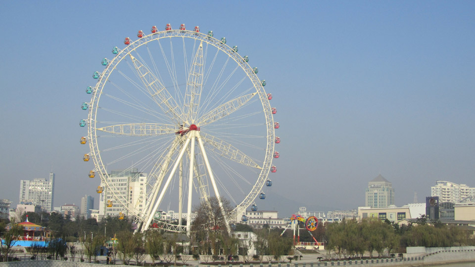 82m Ferris Wheel in Huzhou