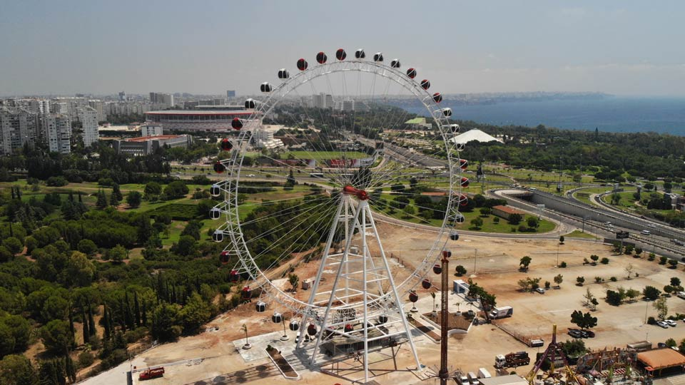 88m Ferris Wheel in Turkey